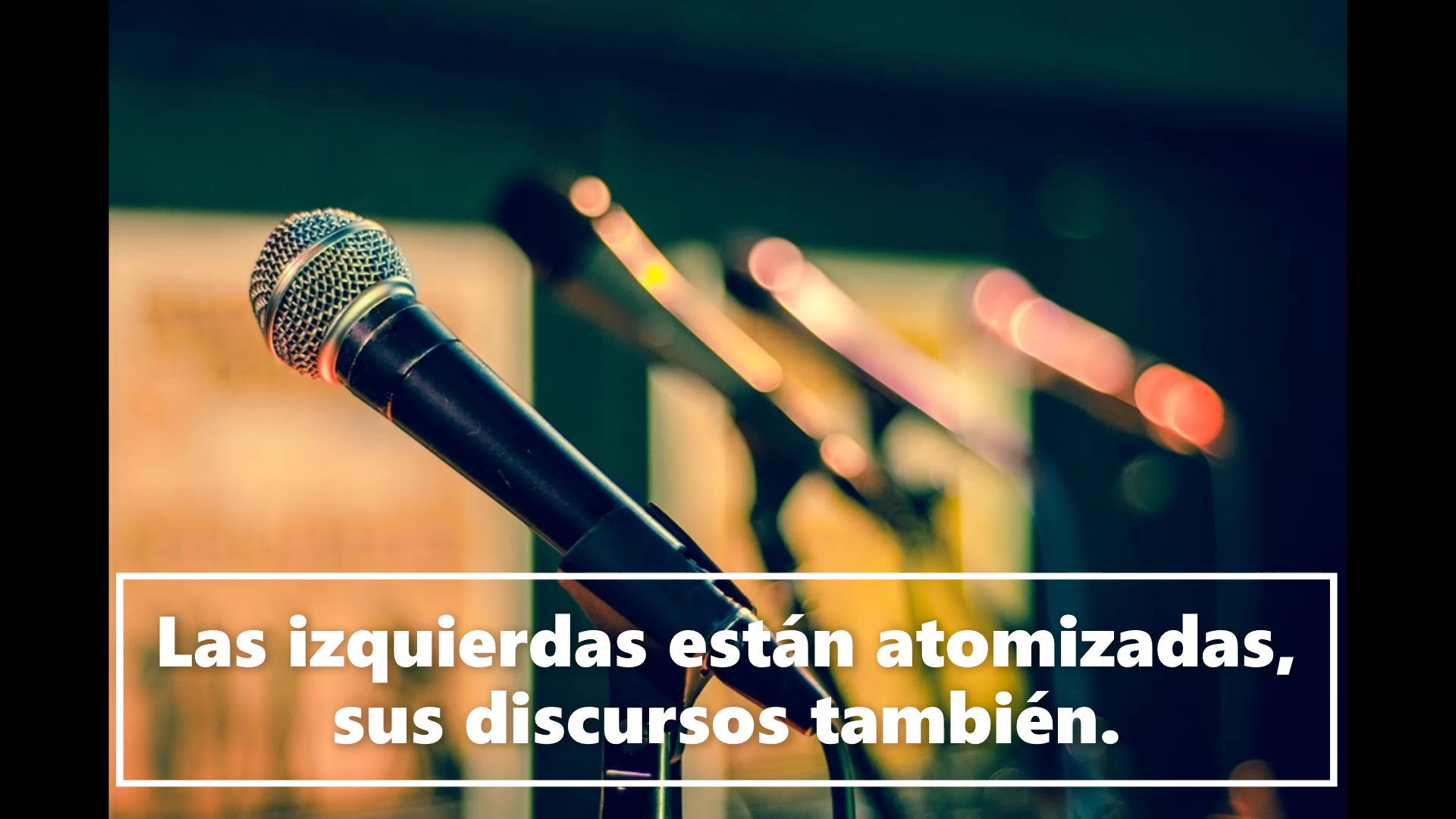 Micrófonos que ilustran un discurso